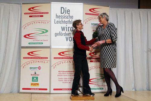 Ausgezeichnet: Nele Alder-Baerens ist Preisträgerin des HLV-Preises 2019